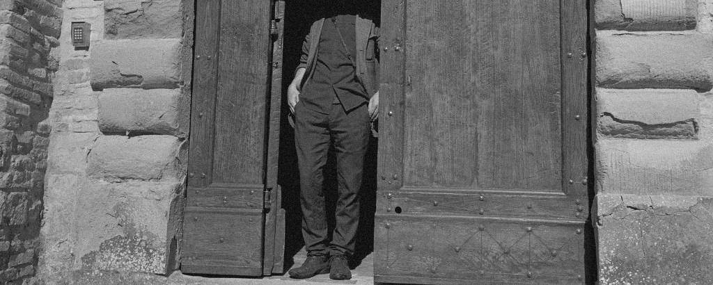 'Tim by the Door', de Mauro Restiffe, na Fortes D'Aloia & Gabriel (34ª Bienal)