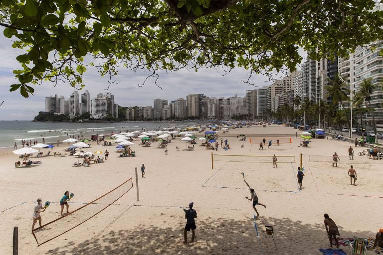 Guarujá, no litoral de SP, determina regras para casamento na praia