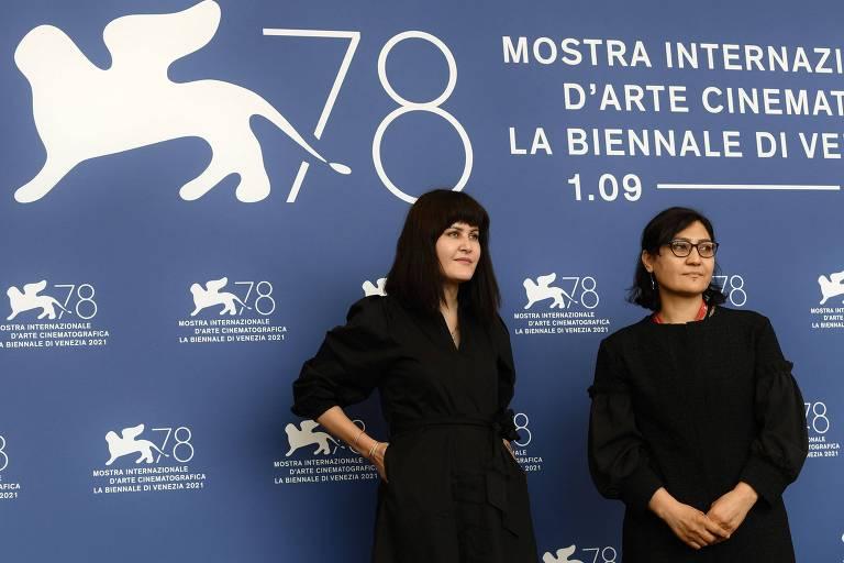 As cineastas afegãs Sahraa Karimi e Sarah Mani no Festival de Veneza