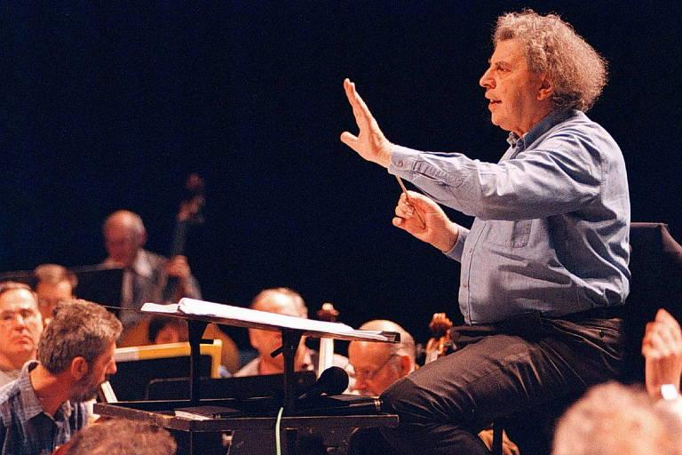 Morre Mikis Theodorakis, compositor famoso por 'Zorba, O Grego', aos 96 anos