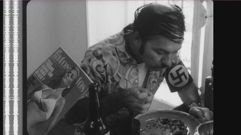 'Hitler 3º Mundo' imagina o Führer cercado por favelas lutando contra super-heróis irracionais