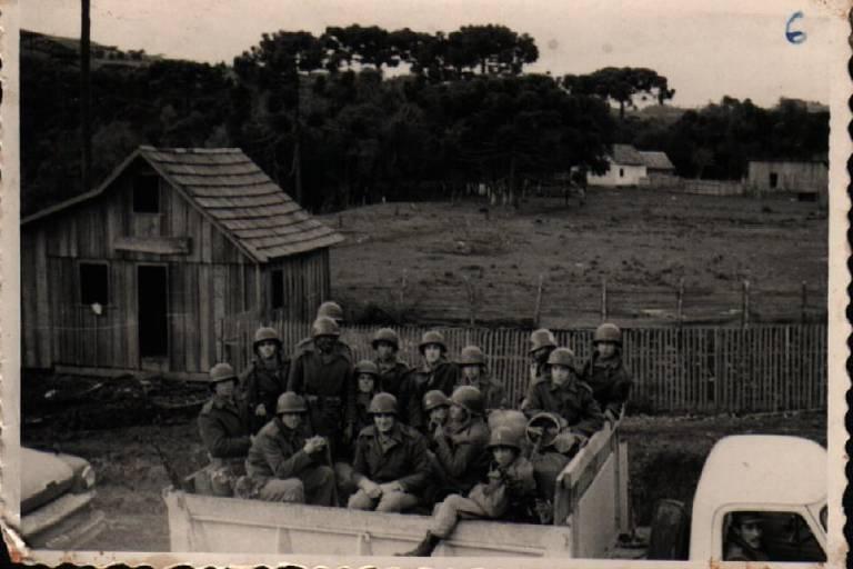 Fotos de soldados apoiadores da legalidade