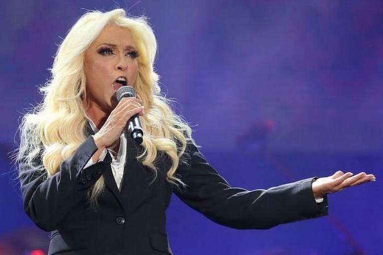 A cantora mexicana Yuri revelou esta semana que, após ter Covid há cerca de um ano, ainda sofre consequências causadas pela doença