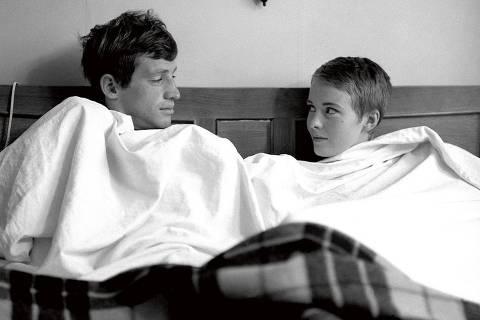 Jean-Paul Belmondo e Jean Seberg em cena de 'Acossado' (196), de Jean-Luc Godard