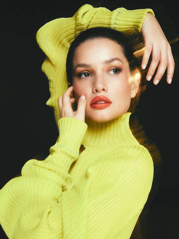 Imagens da maquiadora Juliette Freire