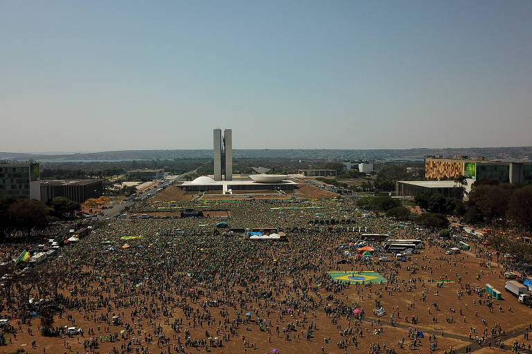 Petistas pedem a TSE que investigue uso de recursos para atos de apoio a Bolsonaro