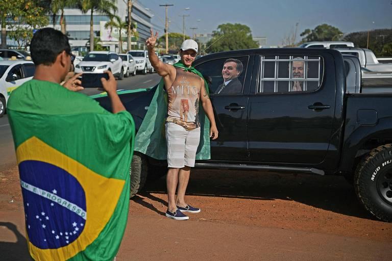 Atos pró-Bolsonaro acontecem nas 27 capitais, incluindo Salvador, Recife e BH