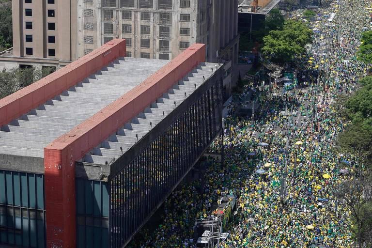 Manifestantes vão às ruas pelo país em atos do 7 de Setembro