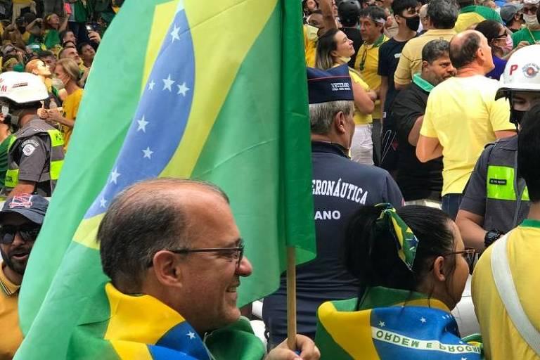 PM estima 125 mil pessoas na Paulista e 15 mil no Anhangabaú