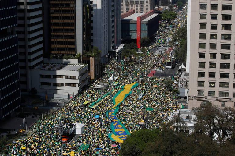 Bolsonaro admite delinquência e tenta colocar país refém de seu medo de ser preso