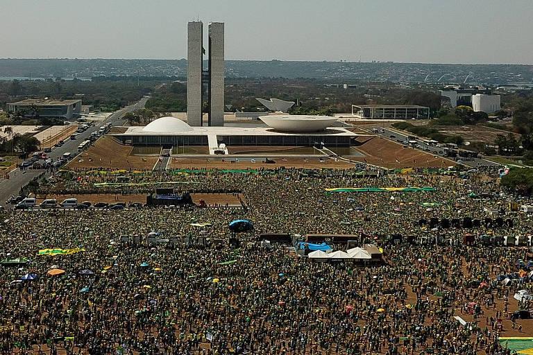 Bolsonaro errou no tom de falas sobre STF e contaminou debate, diz apoiador