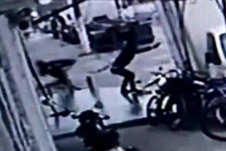 Suspeito de matar policial é morto em troca de tiros com a PM no litoral de SP