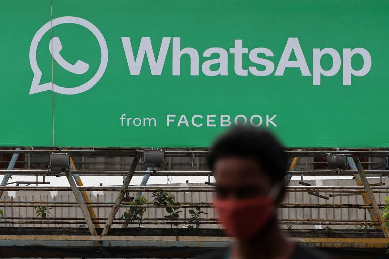 Outdoor do WhatsApp em Mumbai, na Índia;