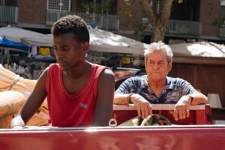 Confira cenas do filme italiano 'Cidadão do Mundo'
