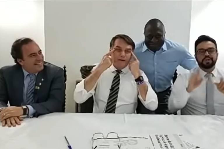 Após repudiar comunismo, Bolsonaro se reunirá com presidente da China