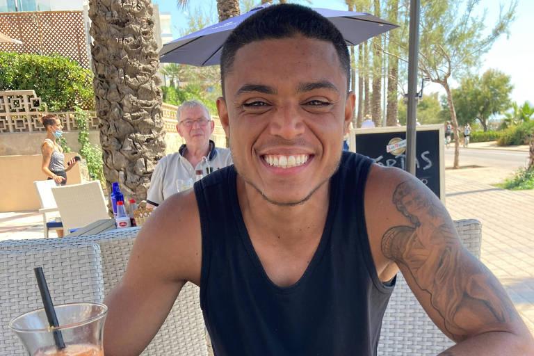 Marcelo Nascimento Leandro, jogador brasileiro que passa por transição de gênero e busca clube no futebol masculino