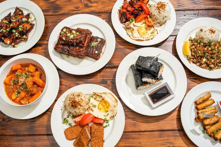 Pratos veganos no restaurante Chef Reina, na Califórnia (EUA)