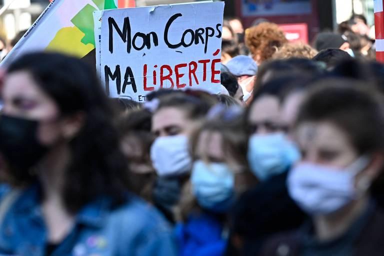 Pílula anticoncepcional será gratuita para mulheres de até 25 anos na França