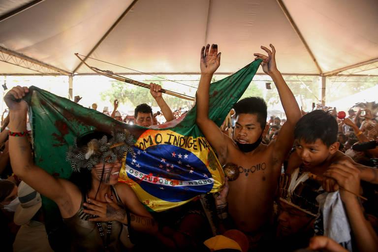 Indígenas festejam voto de Fachin e Furnas com nível baixo de água; veja fotos de hoje