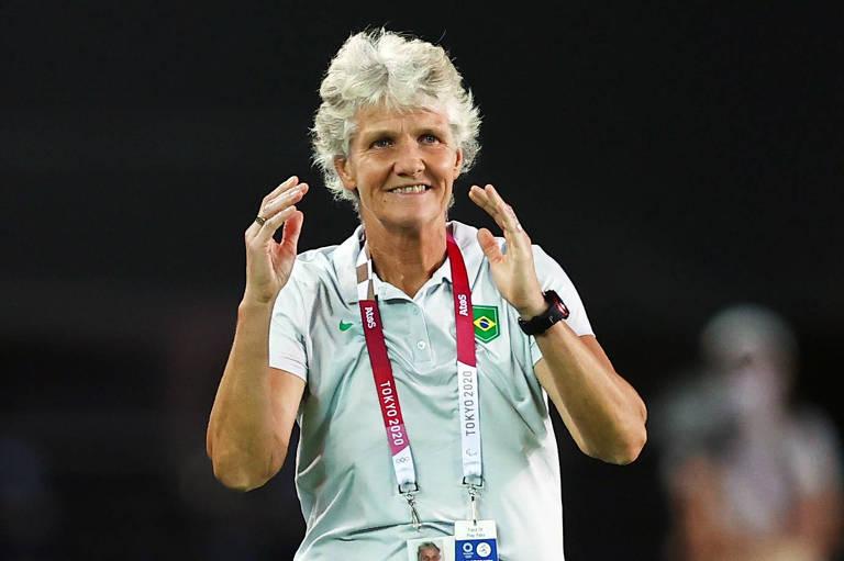 Pia trabalha renovação da seleção feminina de futebol e quer Marta diferente