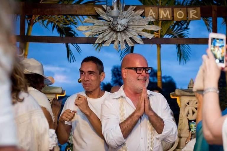 Troca de noivos: Vídeo mostra arquiteto anunciando mudança em casamento