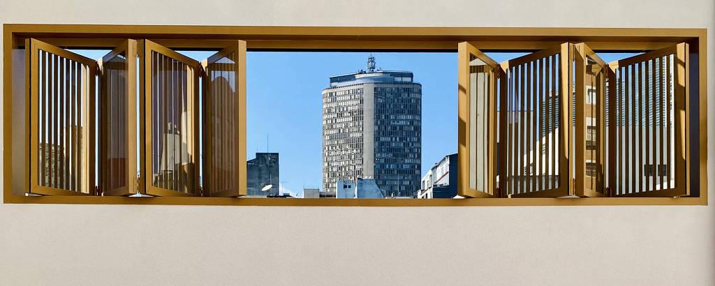 Vista de janela dá para o Terraço Itália