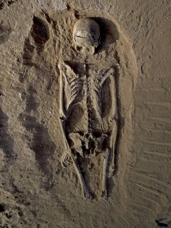 Esqueleto com múltiplas lesões na região do lago Turkana, no Quênia, indício de massacre há 10 mil anos
