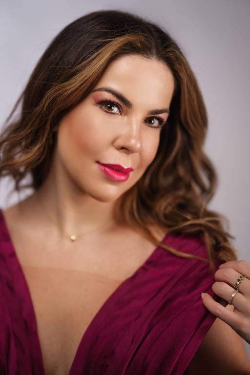 A soprano Camila Titinger