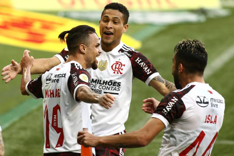 Flamengo bate até na Fifa e humilha o Palmeiras