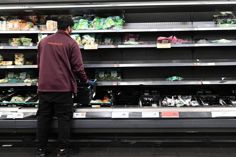 Escassez de produtos chega aos supermercados no Reino Unido