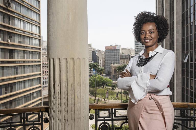 Esta é Aline Torres, secretária de Cultura da cidade de São Paulo