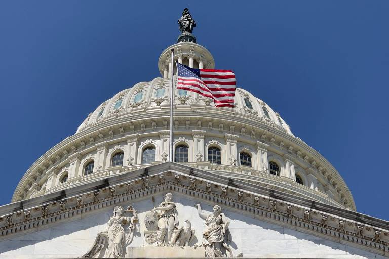 Auxílio financeiro na pandemia ajudou a reduzir pobreza nos EUA, diz governo