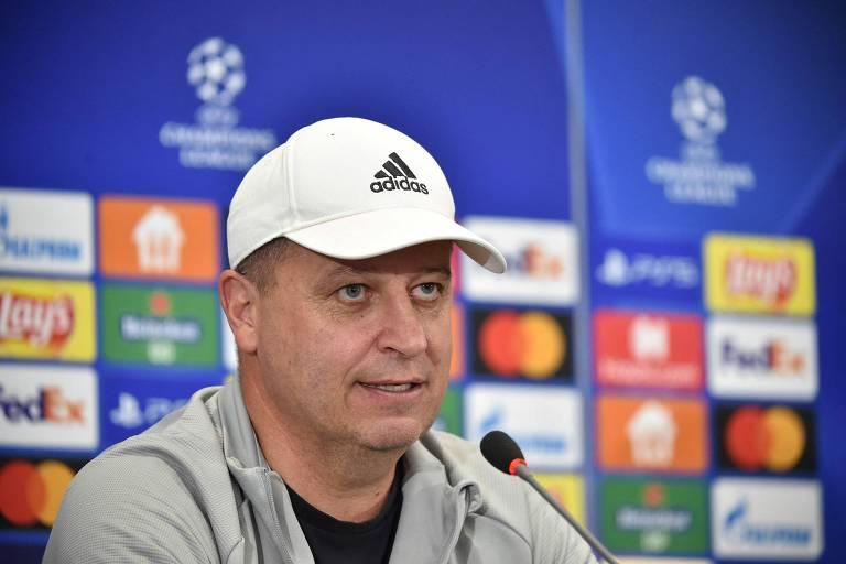 Yuriy Vernydub, técnico do Sheriff, concede entrevista antes do jogo com o Shakhtar Donetsk