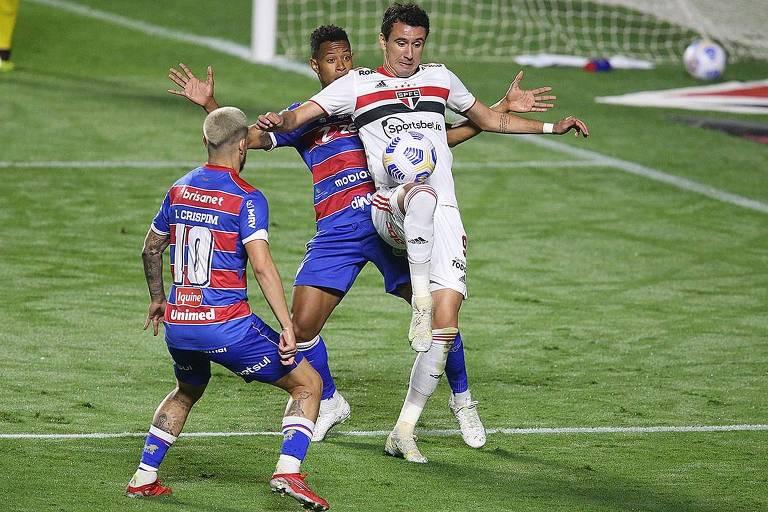 São Paulo e Fortaleza empataram o jogo de ida em 2 a 2, no Morumbi