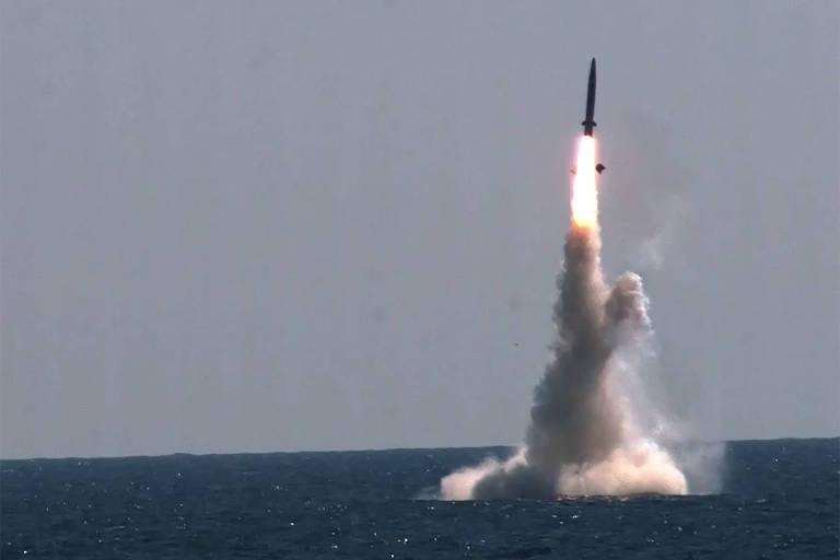 Disparos de mísseis por Coreia do Sul e do Norte ampliam tensão de corrida armamentista