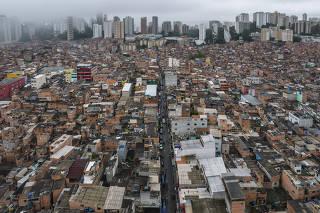 Paraisopolis faz 100 anos. Vista aerea da favela de Paraisopolis