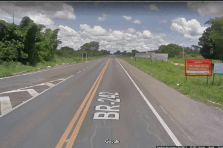 Captura de tela do Google Maps de trecho da BR-242 na Bahia/ ao fundo, ceu azul com nuvens
