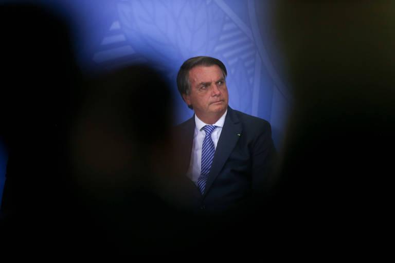 Pesquisa Datafolha reflete hesitação das instituições em relação a Bolsonaro