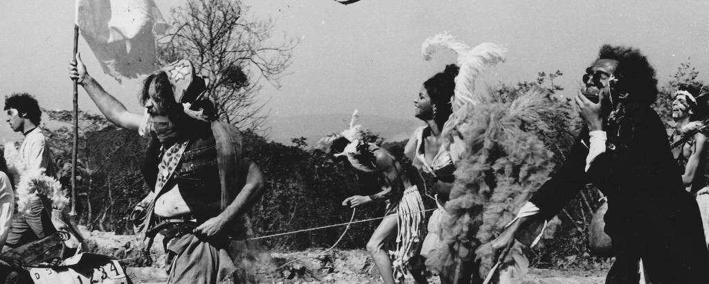 Atores em cena do filme 'Orgia ou o Homem que Deu Cria', de João Silvério Trevisan