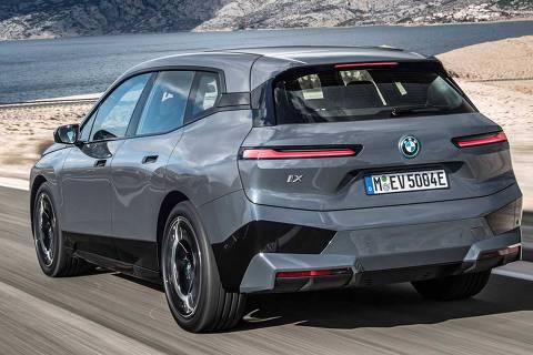 BMW iX xDrive 50 tem 523 cv de potência