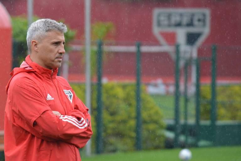 Crespo está pressionado com a situação São Paulo no Campeonato Brasileiro