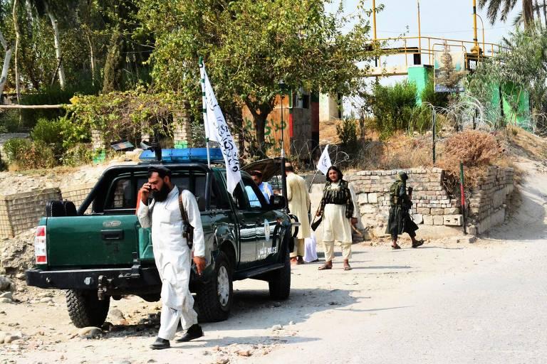 Explosões matam 3 pessoas e deixam 20 feridos no Afeganistão
