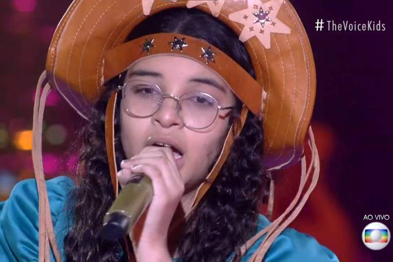 Helloysa do Pandeiro se apresenta no The Voice Kids