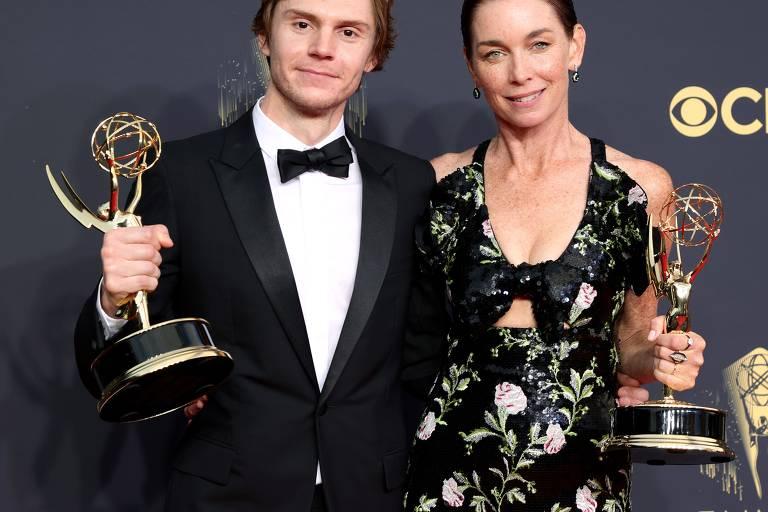 Confira os vencedores do Emmy 2021, marcado por acirrada disputa entre Netflix e HBO