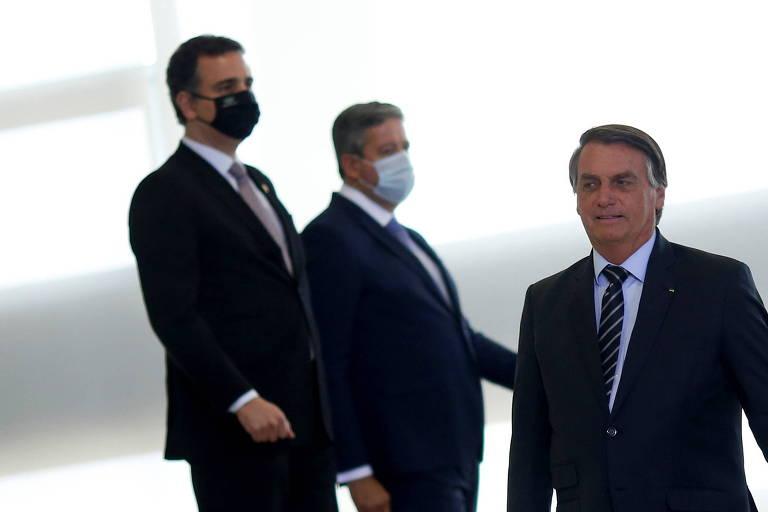 Os presidentes Pacheco, Lira e Bolsonaro antes de cerimônia no Palácio do Planalto