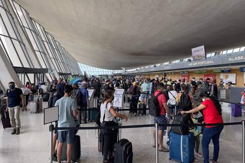 EUA vão autorizar entrada de viajantes do Brasil a partir de novembro