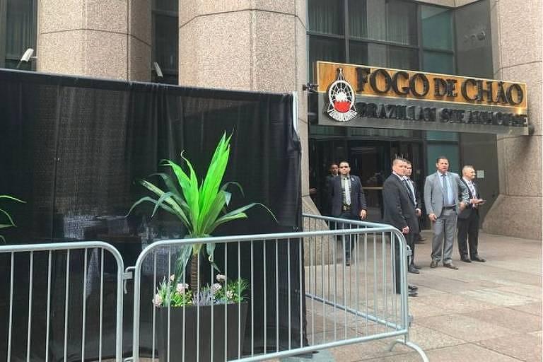Churrascaria fez 'puxadinho' para Bolsonaro almoçar na calçada em NY