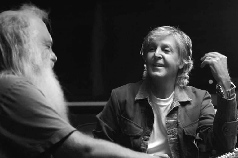 Cena da série documental 'McCartney 3,2,1'