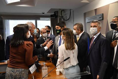 CPI adia relatório final em meio a divergências em acusações contra família Bolsonaro
