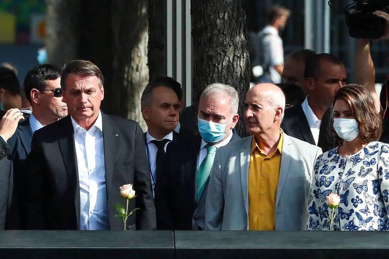 Jair e Michelle Bolsonaro visitam memorial às vítimas do 11 de Setembro acompanhados do ministro da Saúde, Marcelo Queiroga
